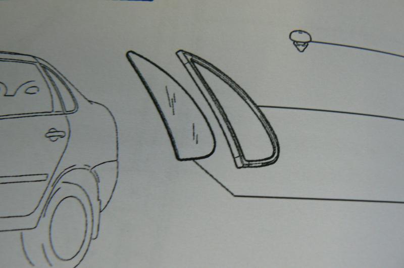 Oldalüveg bal C,